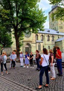 An der Petrikirche - Frauennetzwerk Hellweg