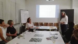 """Judith Plank und Betina Hebinck halten den Vortrag zu """"Gesetzte der Gewinner"""""""